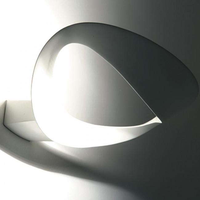 Artemide - Lampada da parete Mesmeri Halo bianca.