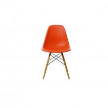 Vitra Eames Plastic Chair DSW (nuova altezza)  scocca  vari colori, struttura legno acero - giallastro.